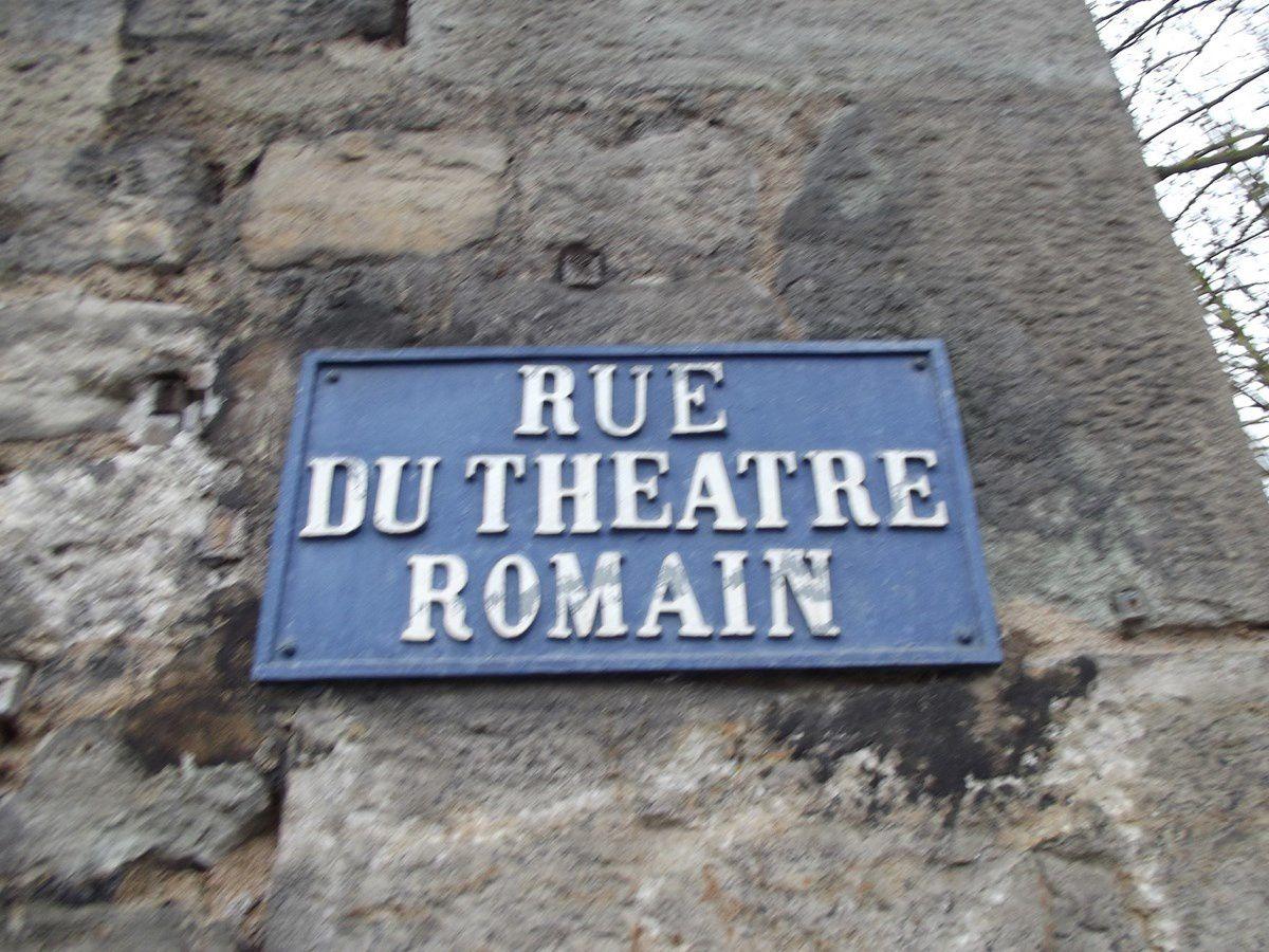 Rue du Théâtre Romain - 71400 Autun.