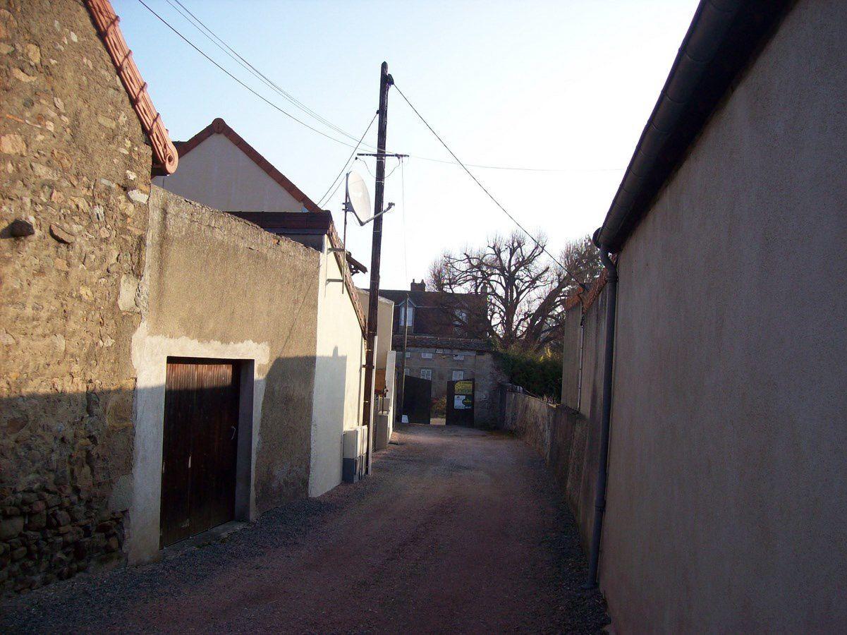 Rue Saint-Roch - 71400 Autun.
