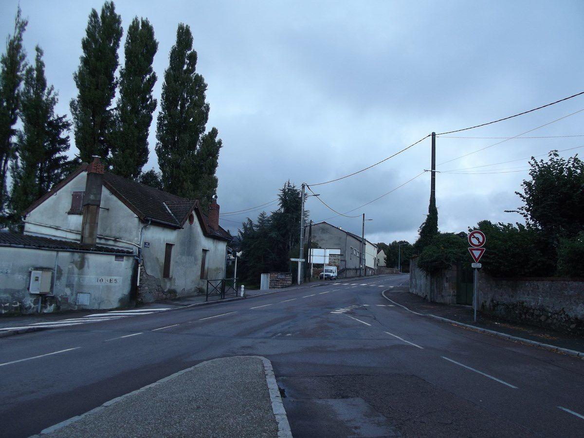 Rue des Fusiliers-Marins - 71400 Autun. ¤¤¤ Quartier Saint-André ¤¤¤ La 21e et 22e photo ainsi que la dernière proviennent de différends sites d'internet.