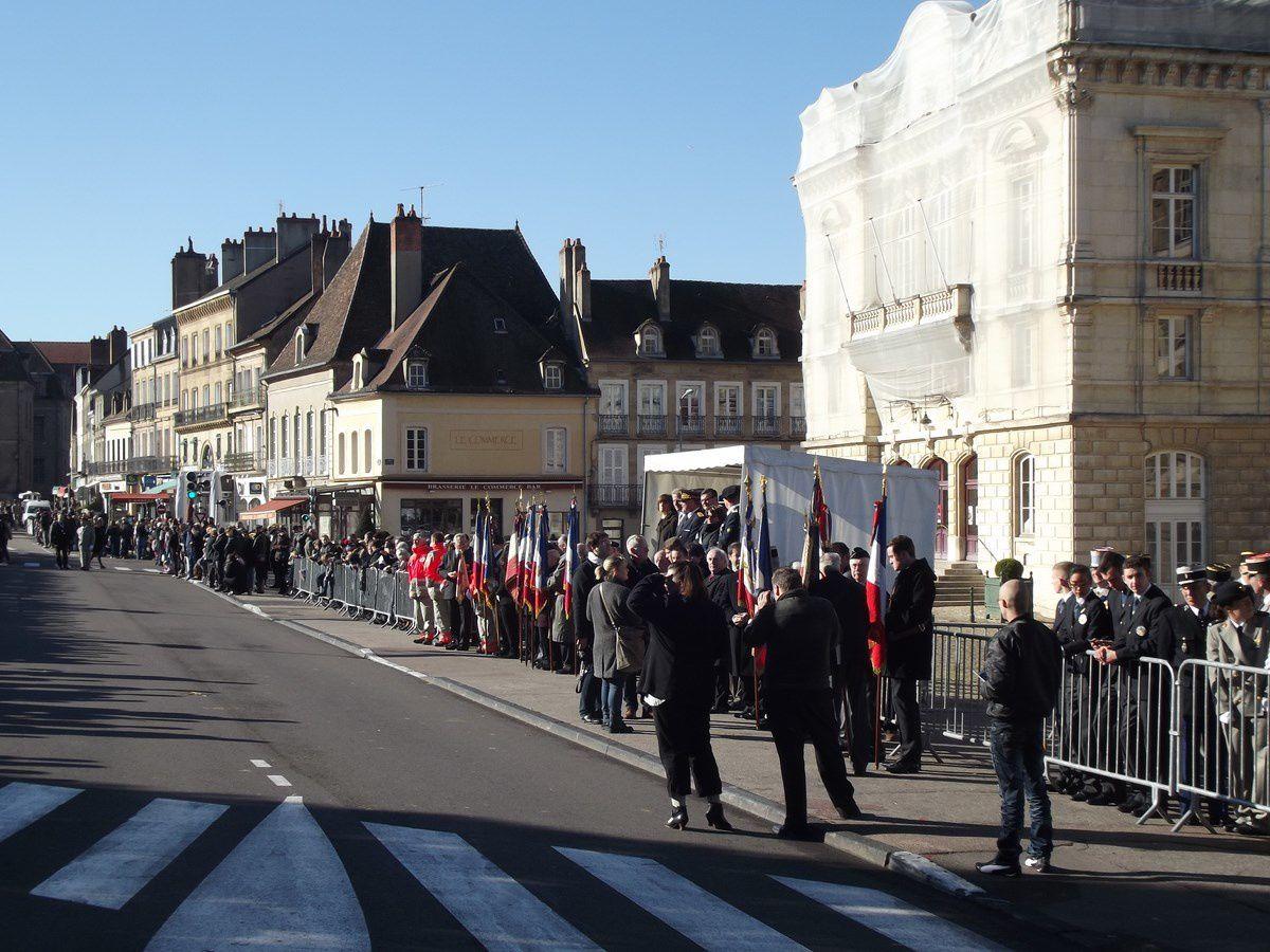 Dimanche soir 10 novembre 2013 et lundi 11 novembre 2013, place du Champ de Mars 71400 Autun.