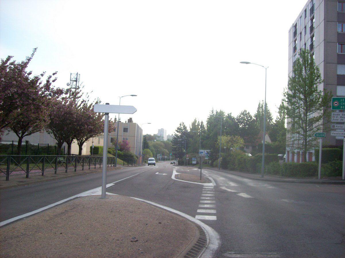 Avenue de la République - 71400 Autun. ¤¤¤ Quartier Saint-Jean ¤¤¤