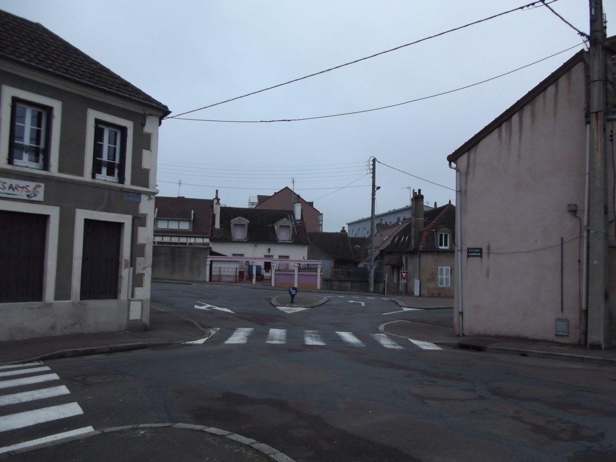 Place Pierre Saint-Yves - 71400 Autun. ¤¤¤ Quartier Saint-Jean ¤¤¤