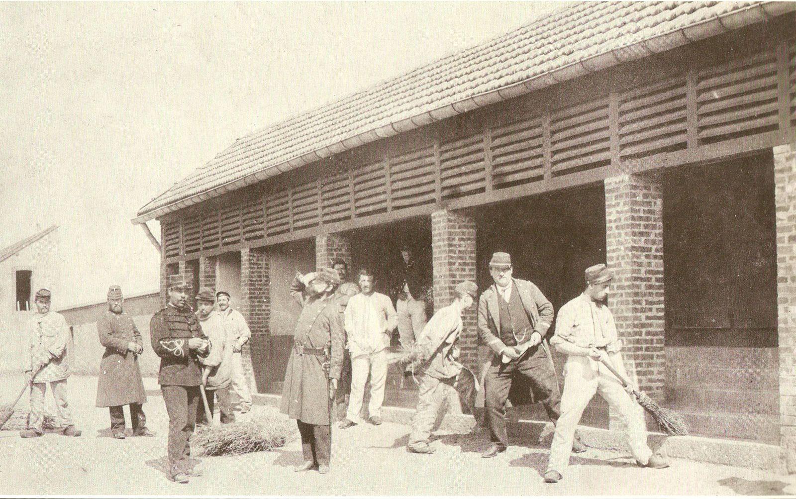 Caserne Changarnier - collège militaire - 71400 Autun.