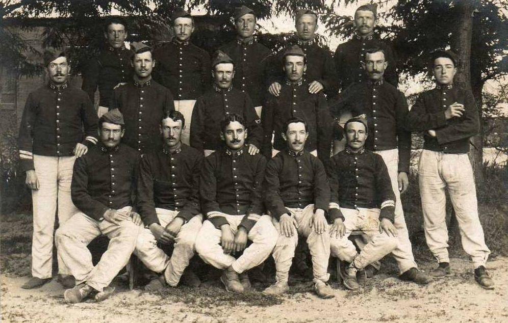 Caserne Changarnier - Soldat du 29e Régt - 71400 Autun.