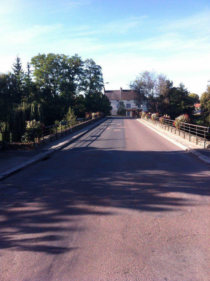 Pont d'Arroux, rue du Faubourg d'Arroux - 71400 Autun.
