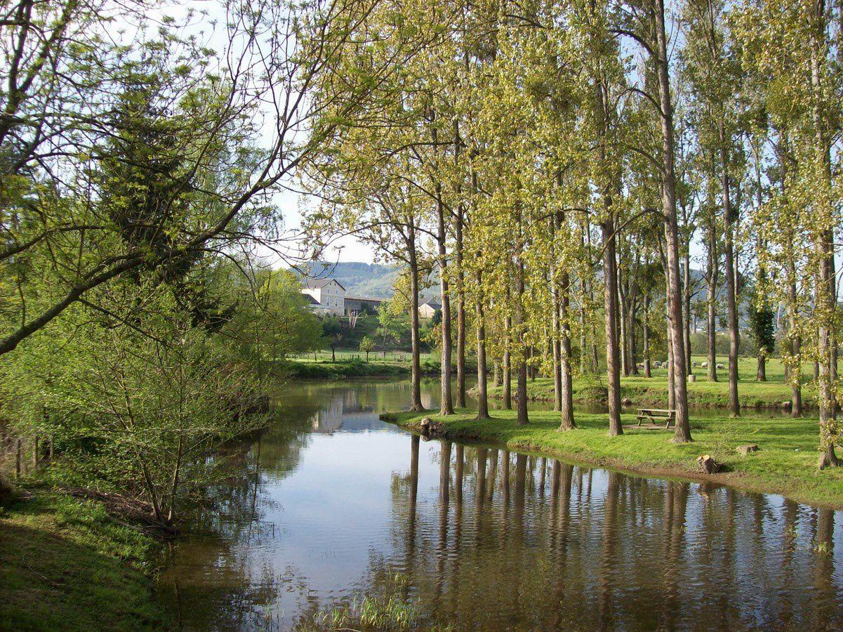 Chemin Jeanne Barret, route de Saulieu - 71400 Autun.
