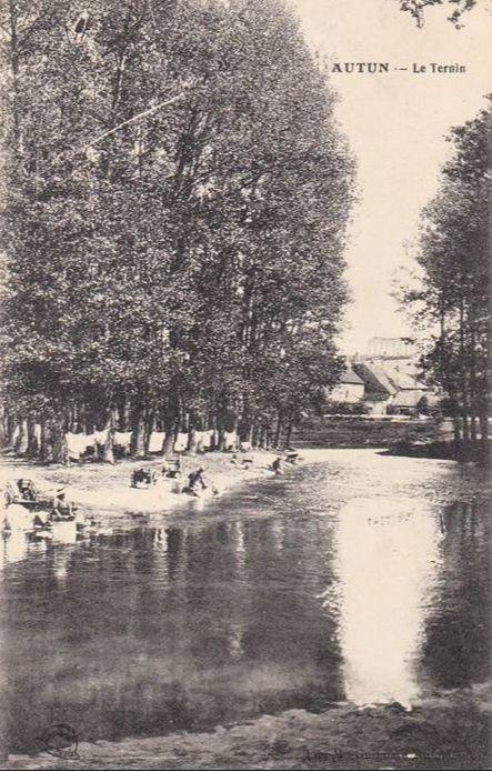 Chemin Jeanne Barret, Route de Saulieu - 7140 Autun.