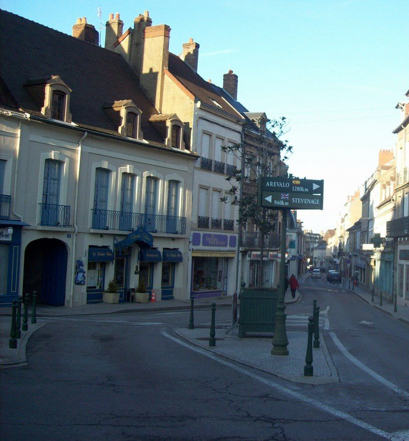 Rue Guérin - 71400 Autun&#x3B;