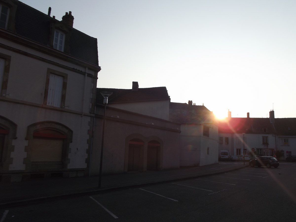 Rue de la Caisse d'Epargne - 71400 Autun.
