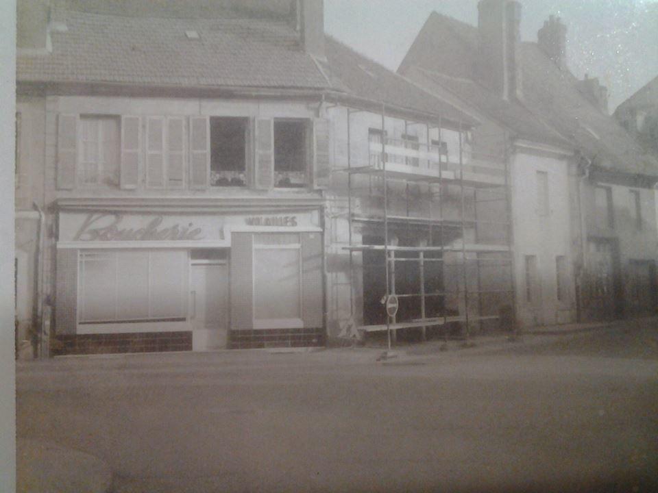 Petite rue Marchaux - 71400 Autun.  ¤ AUTUN 1900 ¤