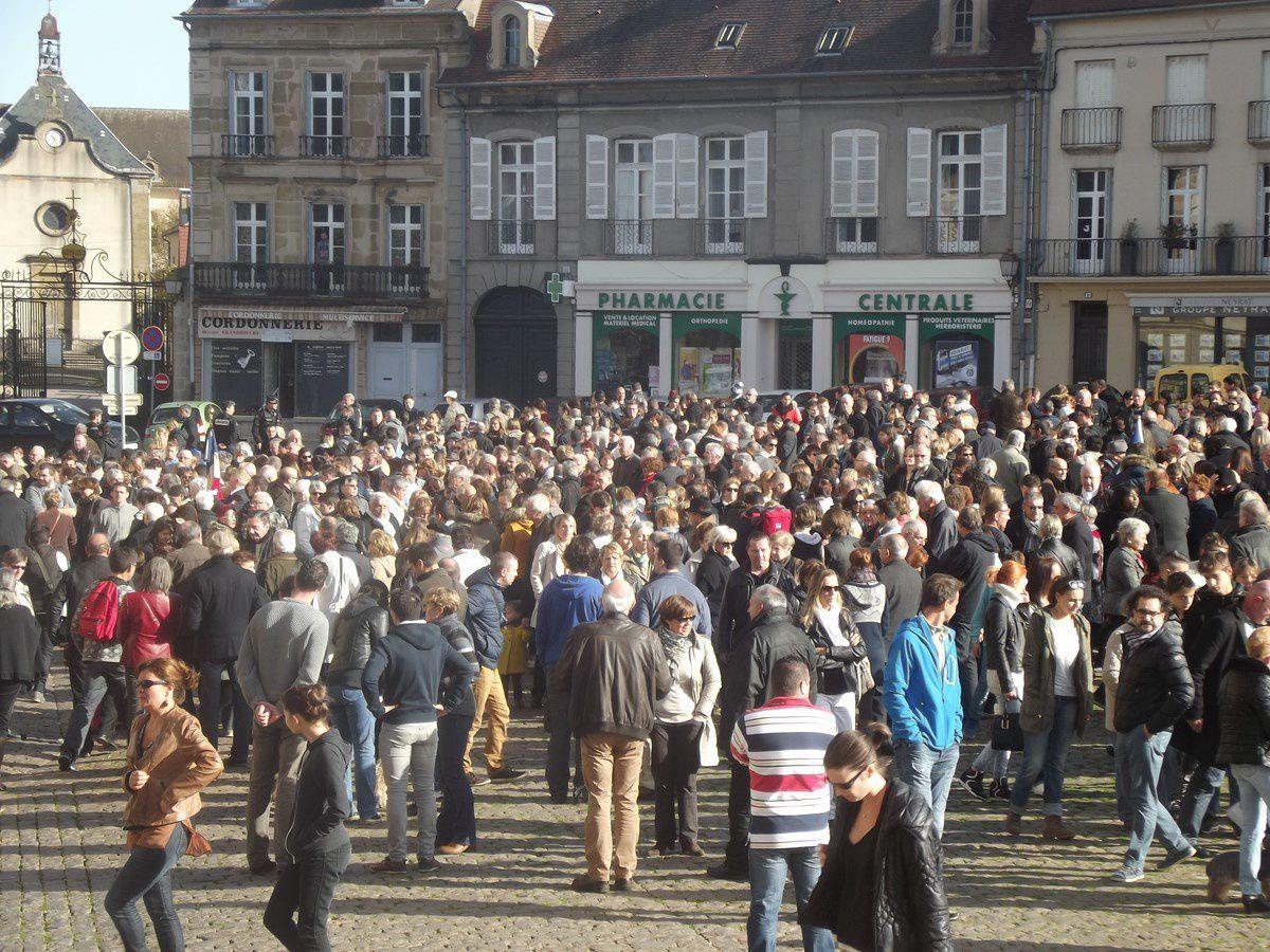 Hôtel de Ville - Place du Champ de Mars - 71400 Autun.