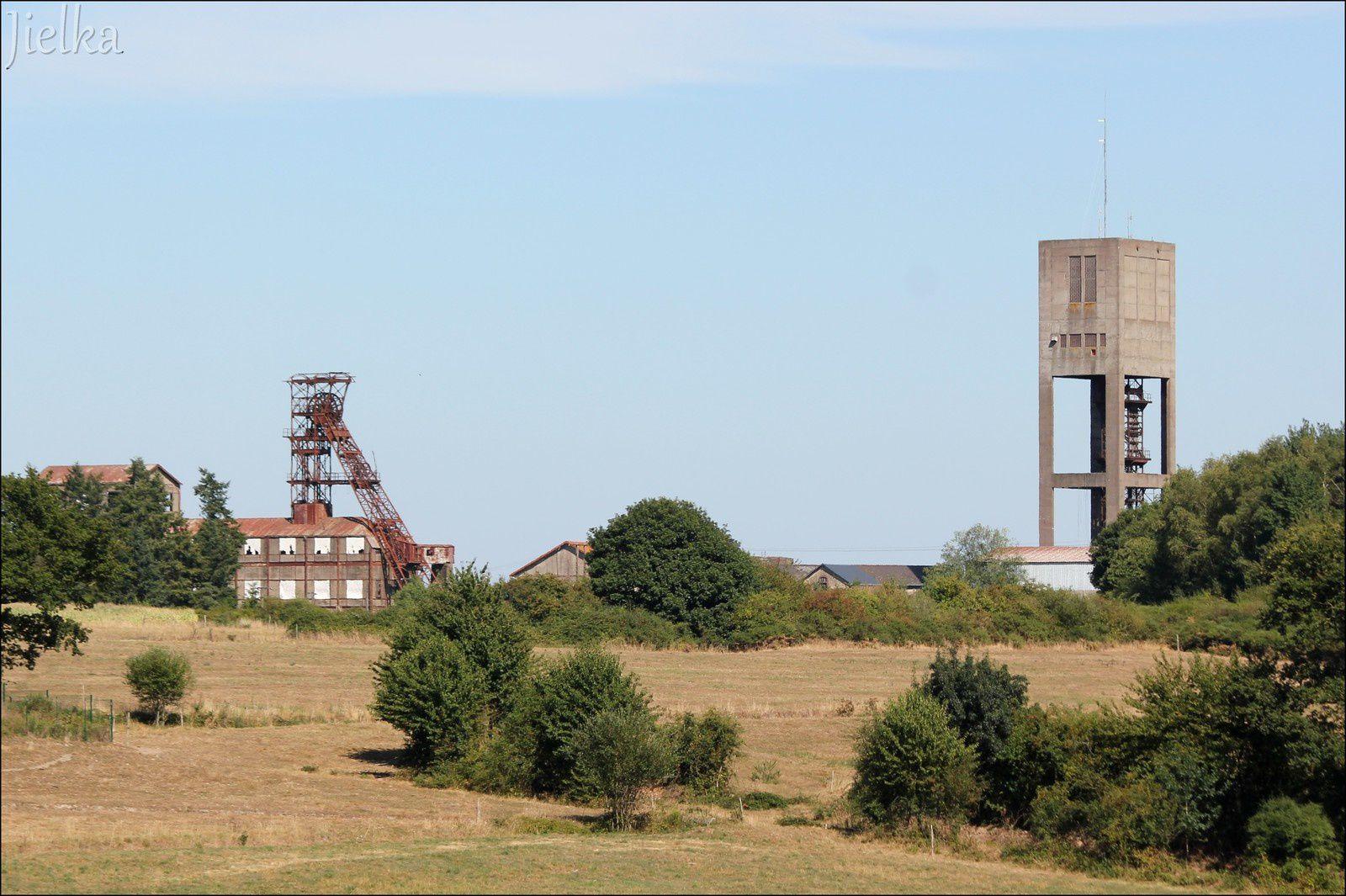 MINES DE FER DE SEGRÉ (le carreau de la mine du bois II )