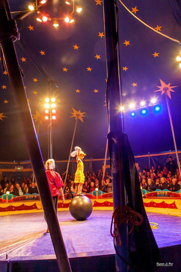 13 décembre - l'école primaire St clément présente son spectacle de cirque sous le chapiteau des frères Ritz