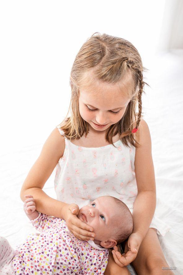 14 juin - Portrait de deux adorables filles pour le faire part de la petite dernière