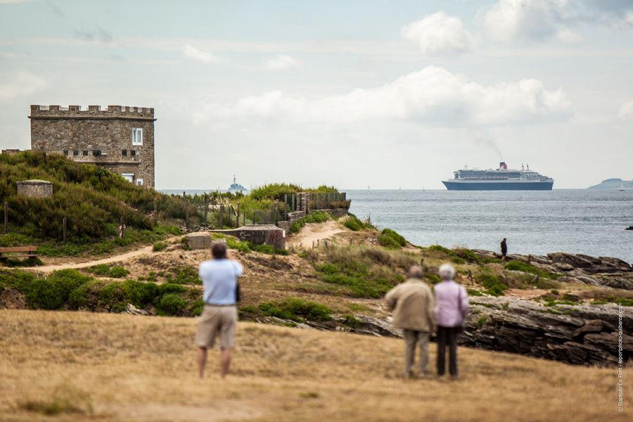 24 juin - Le Qeen Mary II passe en baie de Quiberon