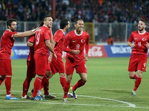 FOOTBALL match amical : Turquie - Biélorussie : 2 - 1