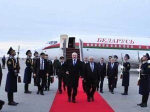 Le Président du Biélorussie entame la visite officielle en Azerbaïdjan