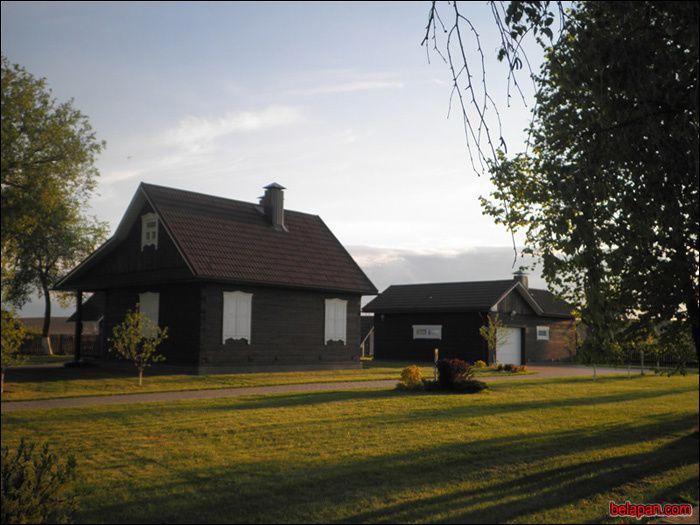 Maison de sa mère qu'il a déménagé vers l'an 2000 dans cette demeure plus moderne