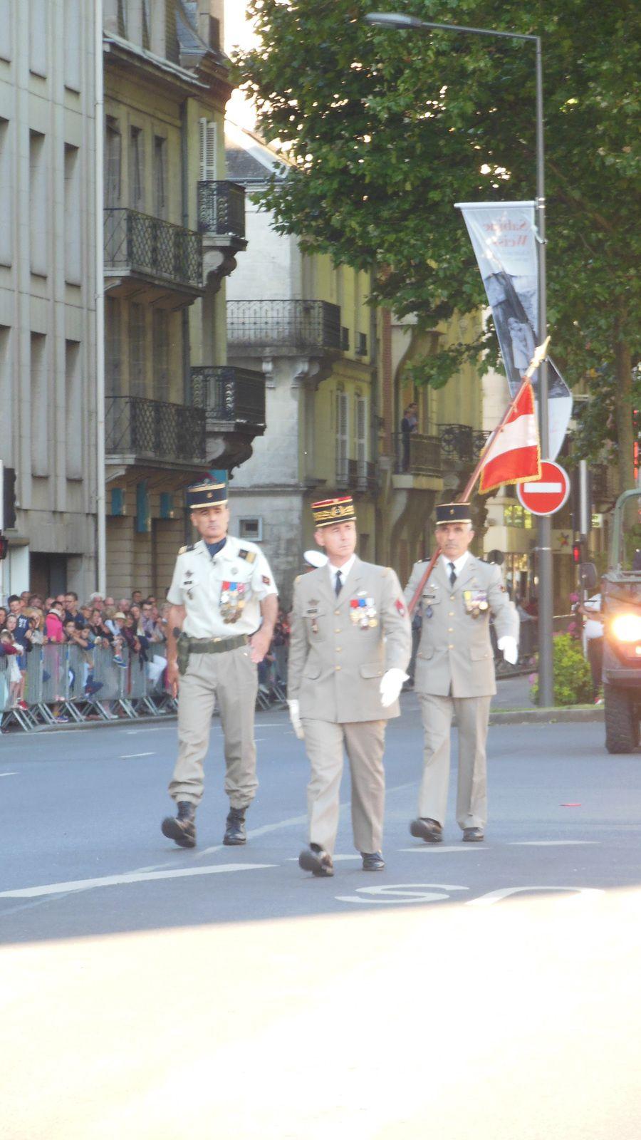 Photos de la c r monie du 14 juillet 2016 tours le for Legens materiaux anciens indre et loire
