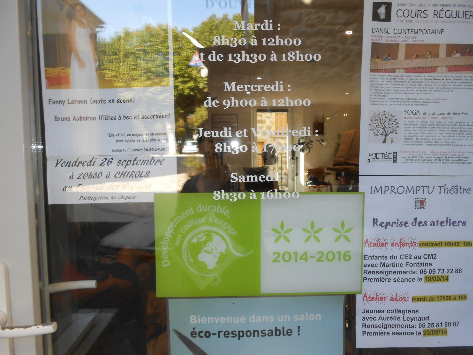 Le label avec ses 3 étoiles, apposé sur la porte d'entrée et en vitrine