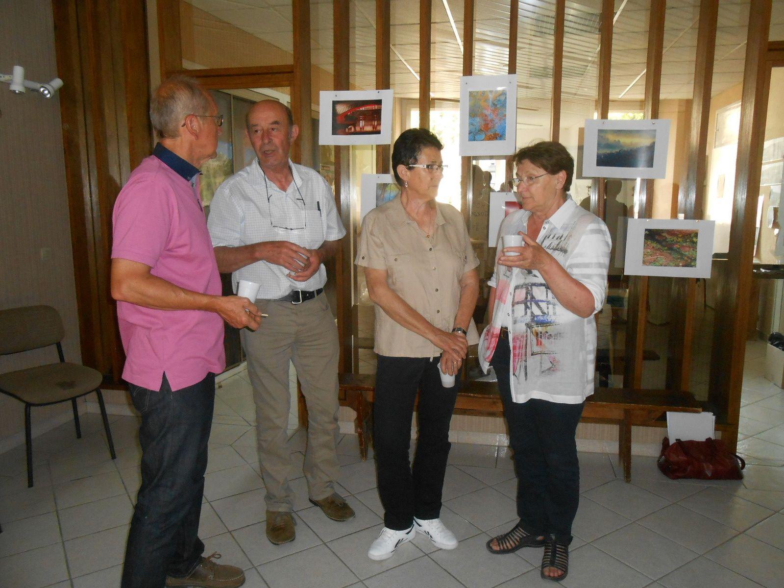 Une petite réception rassemblant personnel communal et élus a été organisée en mairie pour le départ d'Isabelle Bernard.