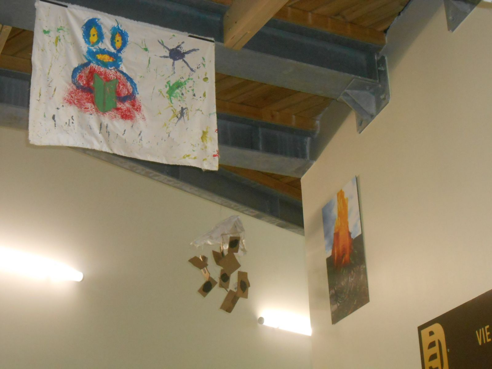 Oeuvres collectives dans l'atrium