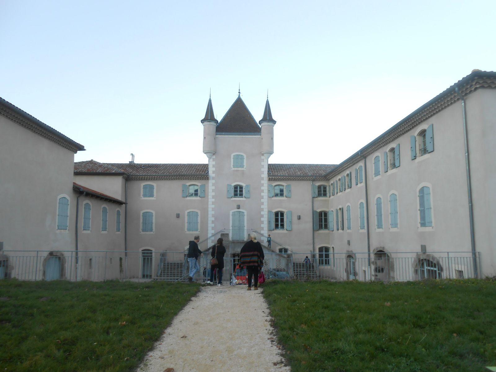 Les animations se déroulent dans les jardins et sur le domaine de Rochemure, autour de la Maison du Parc