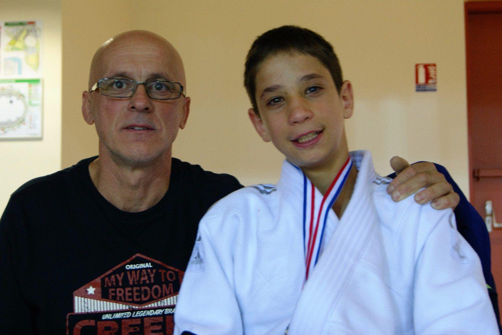 Hugo avec Daniel Guichard, un des ses entraineurs