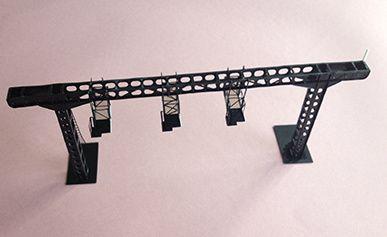 portique équipé de trois nacelles simples