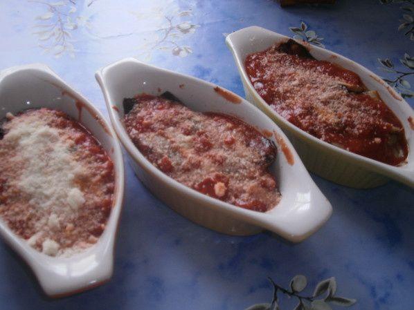 Recette d 39 aubergine la sauce tomates et parmesan le - Enlever tache sauce tomate ...