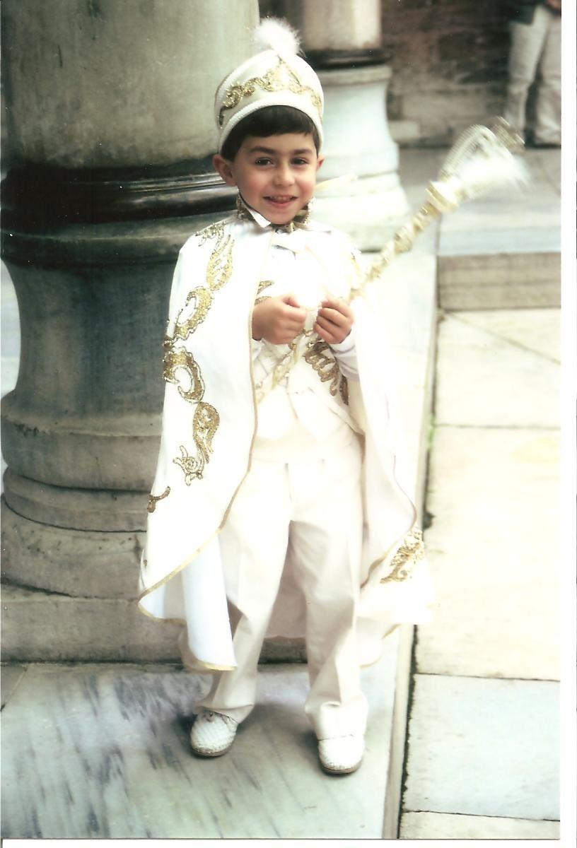 Jeune Turc à Istanbul le jour de sa circoncision, photo Michèle Delisle mai 1995