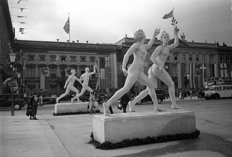 monument sur le champ des sports à Berlin en 1936