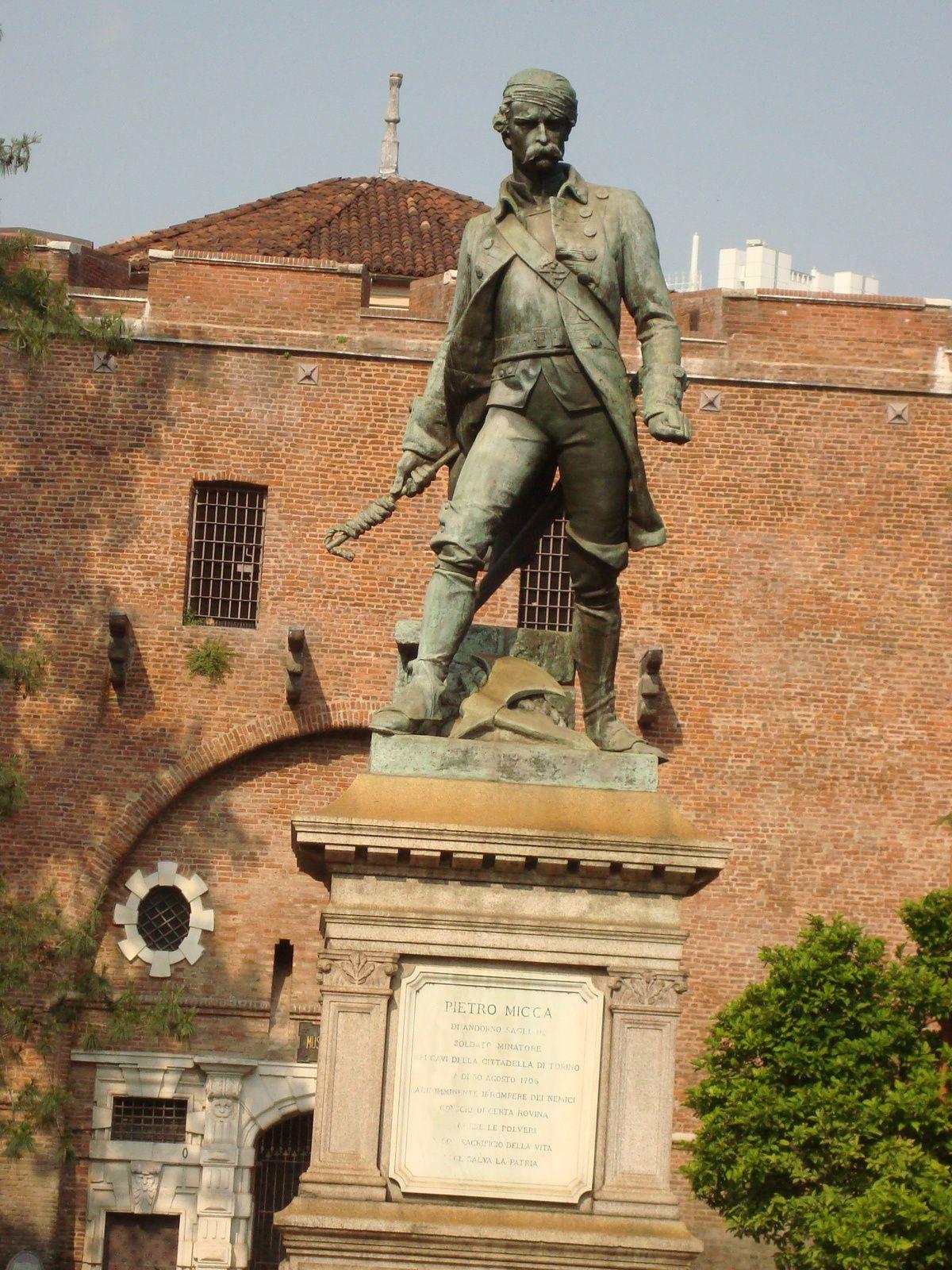 Pietro Micca à Turin, photo J.D. 6 juin 2015