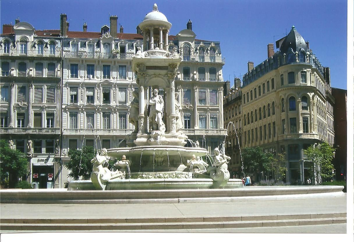 fontaine des Jacobins à Lyon, photo J.D. 2 août 2015