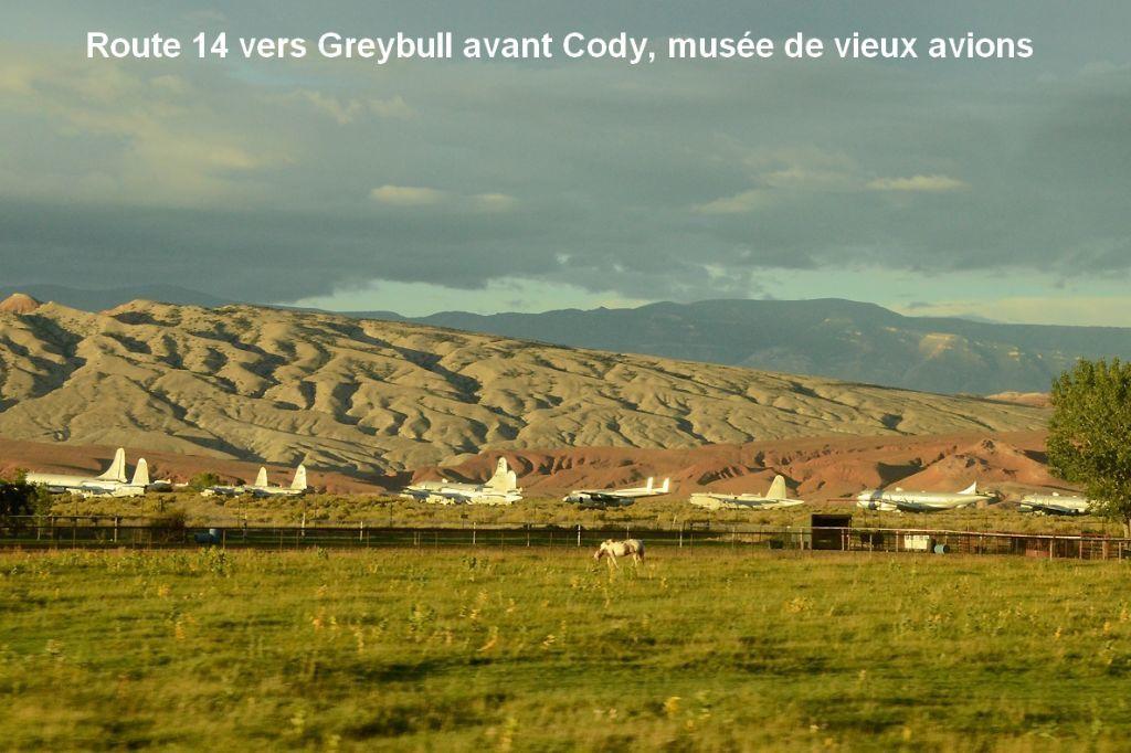 Paysage près de Cody la ville de Buffalo Bill Cody et chant dans l'autobus