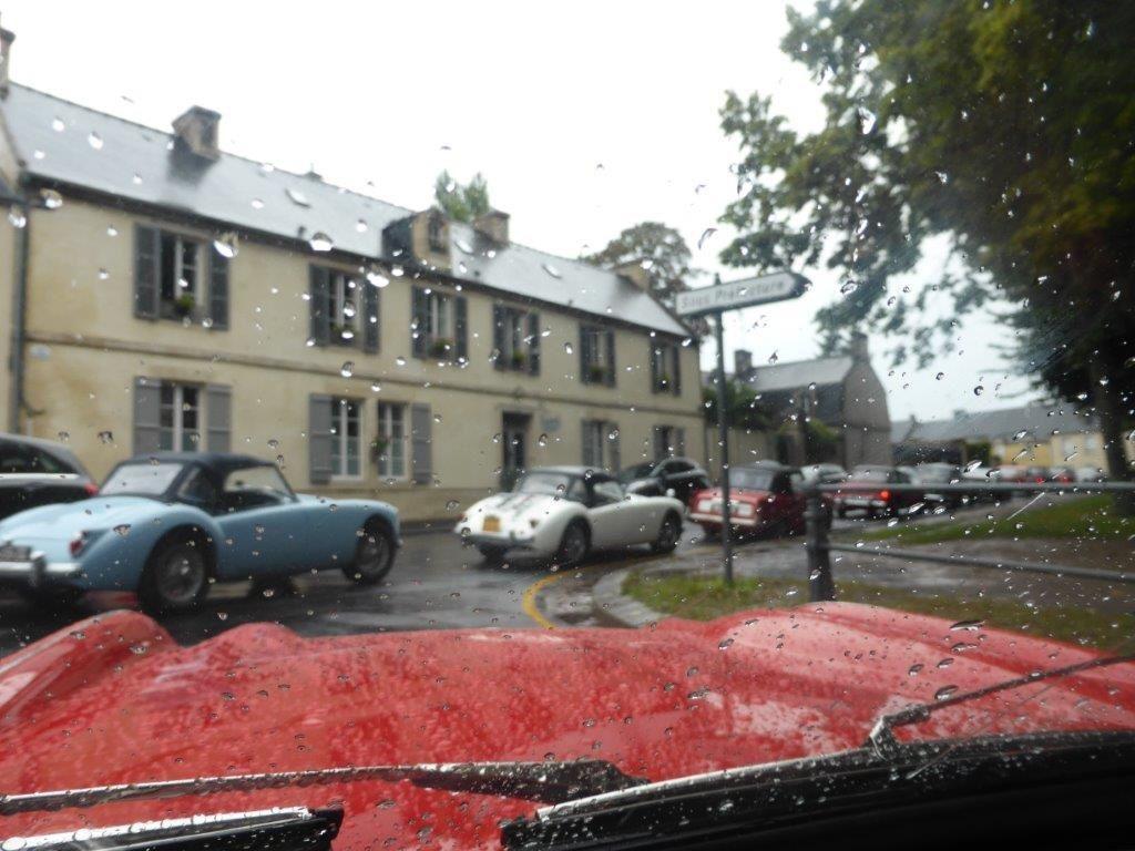 Rendez-vous à Bayeux sous la pluie et premier bouchon