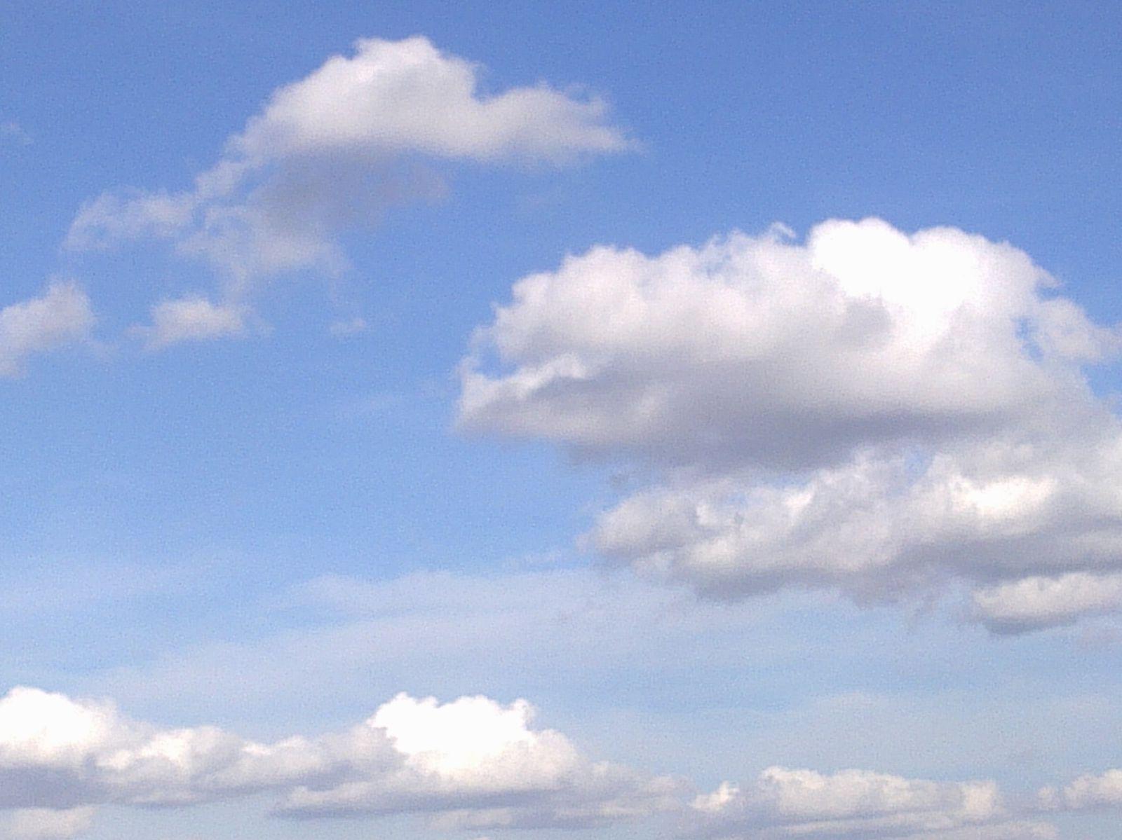 Textoésies et vous: un peu, beaucoup de ciel
