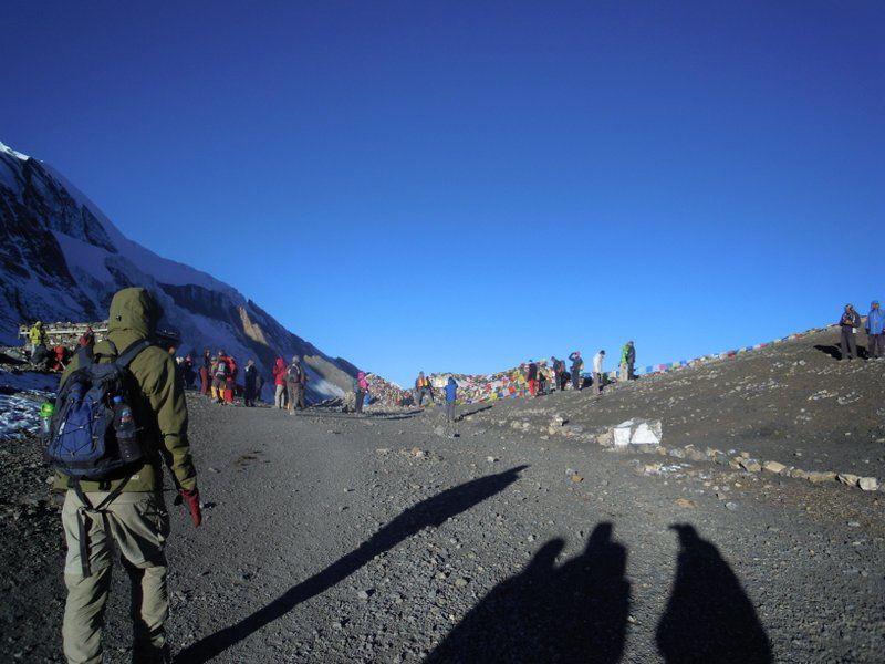 Par beau temps, le Thorong La (5416 m) donne l'impression de facilité
