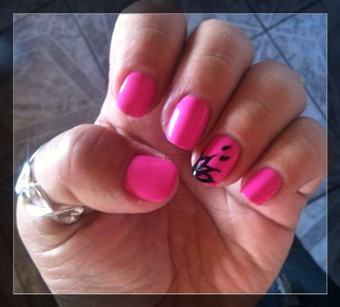 Accent nail simple