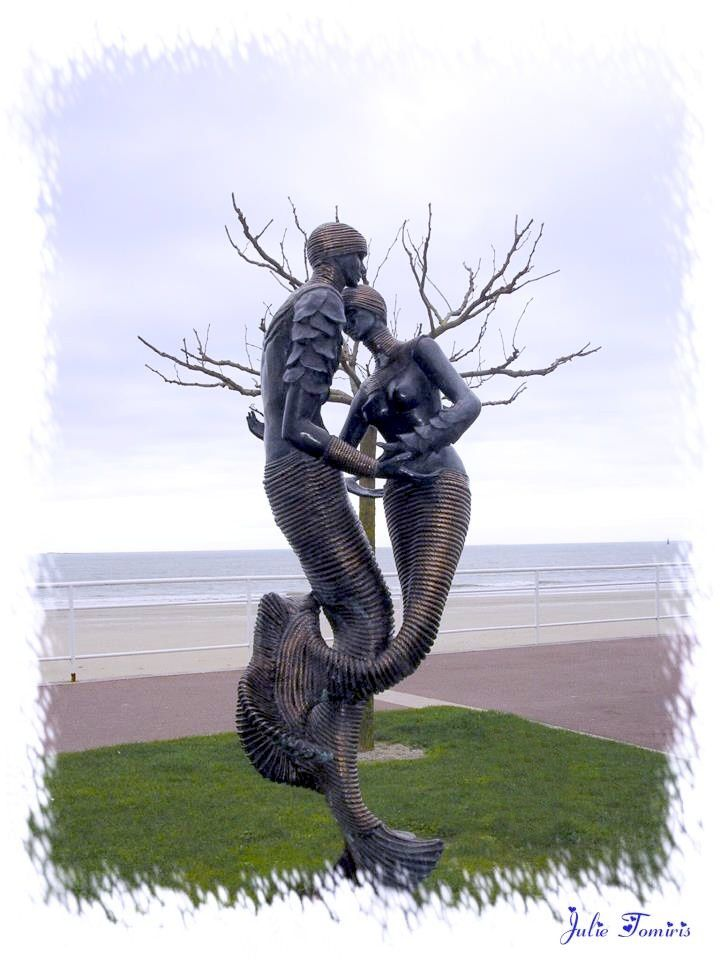Les sirènes de La Baule, sculpture de Agnès Rispal, bronze - Photo : Julie Tomiris