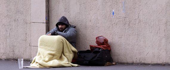 SDF et SML* en France, entre abandon et morts prématurés dans l'indifférence, laissez pour compte dans la liste des tas d'urgences de nos gouvernants.