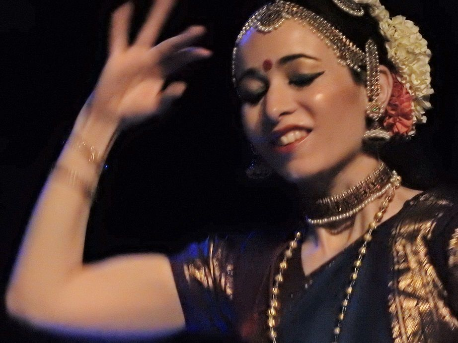 BHARATANATYAM et MUSIQUE INDIENNE à NICE:Photos et vidéo