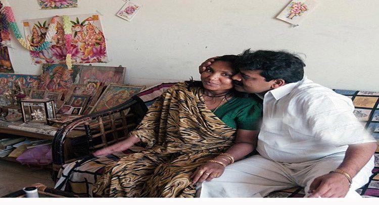 Poolan DEVI et son mari à DELHI ( (getty images)