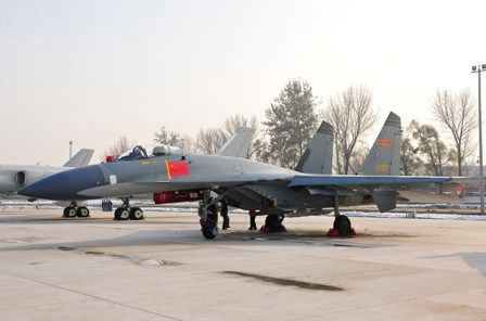 Un J-11B chinois au sol (The China Times)