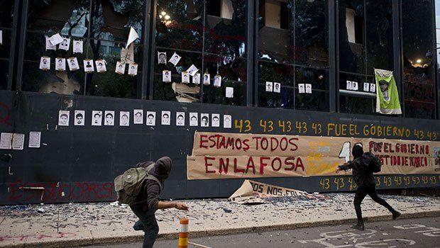 L'armée mexicaine menace d'intervenir contre le mouvement de protestation à propos de la disparition des normalistas