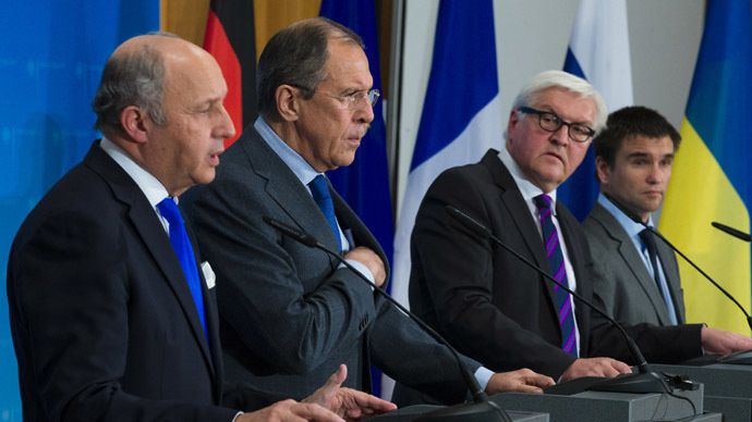 France's Foreign Minister Laurent Fabius (L), Ukraine's Foreign Minister Pavlo Klimkin (R), Germany's Foreign Minister Frank-Walter Steinmeier (2nd R) and Russia's Foreign Minister Sergei Lavrov