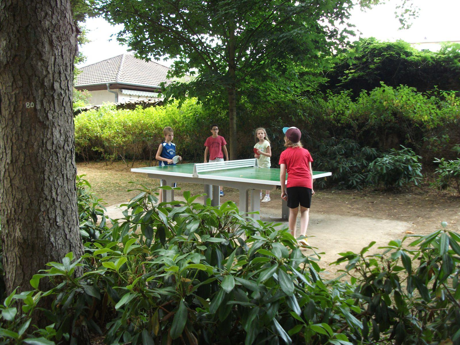 La table de ping-pong du Parc est à votre disposition