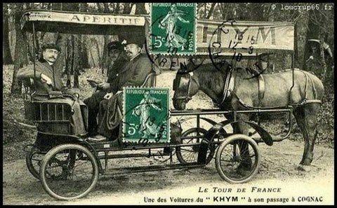 J'ai retrouvé quelque part ces vieilles photos de la caravane du Tour de France d'autrefois dont certaines datent de notre enfance: quel plaisir !... Nous en redécouvrirons quelques unes tous ces prochains jeudis...