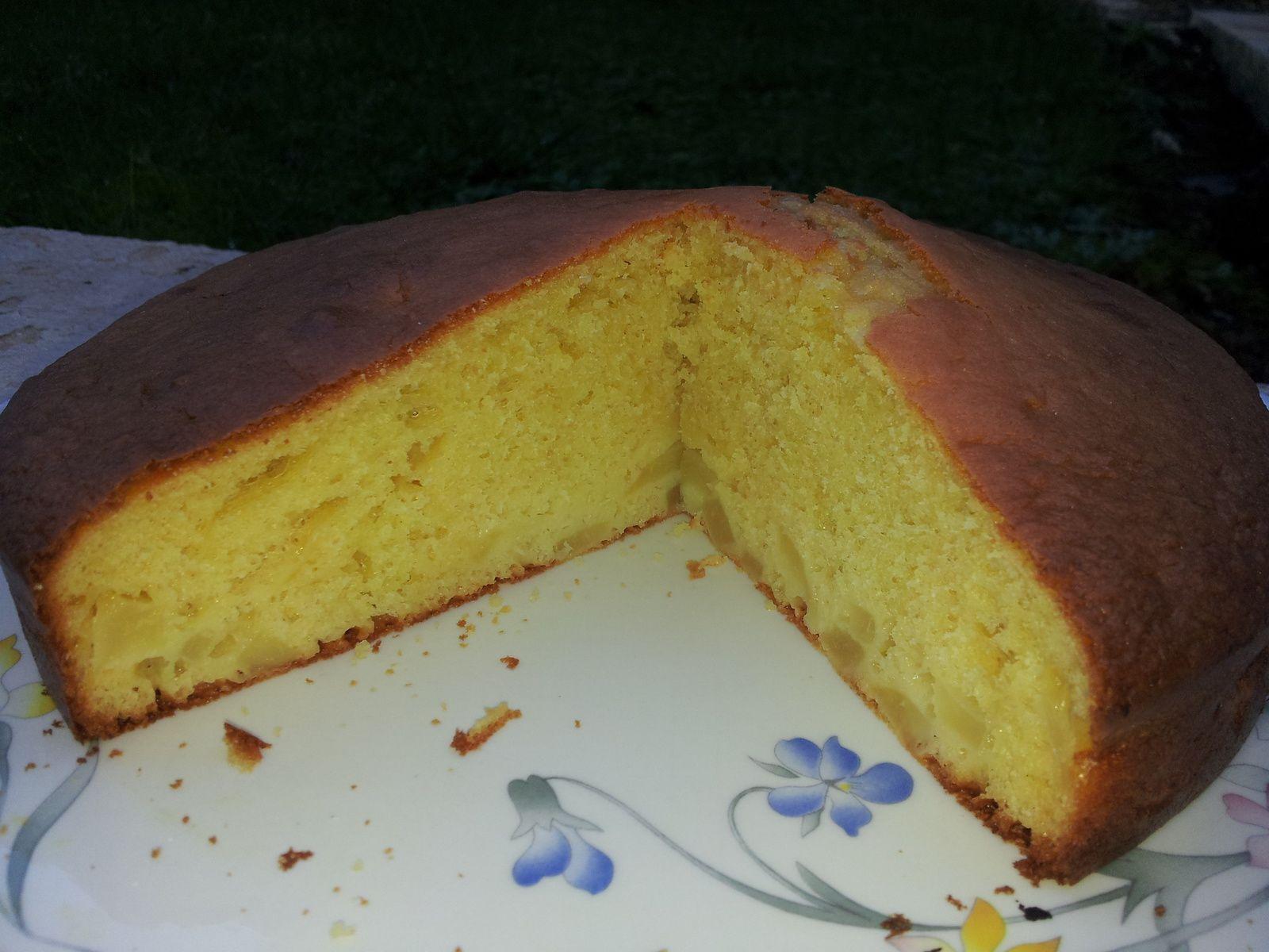 Gâteau aux poires et au rhum