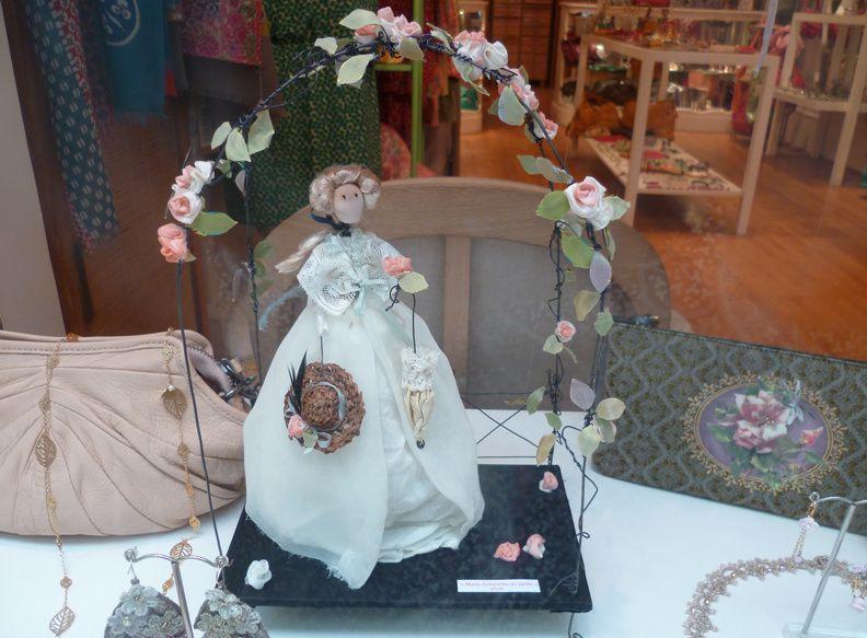 ...dans les jardins de Marie-Antoinette chez Nadine Delepine...